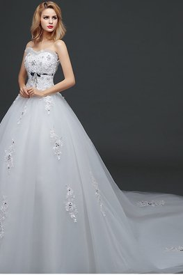 Sweetheart Blue Ribbon Lace Wedding Gown with Court Train