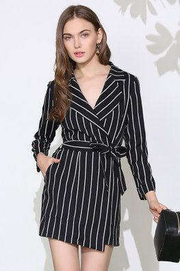 Monochrome  Lapel Collar V-Neck Long Sleeves Stripe Romper (Express)