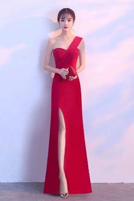 Black/Red Sweetheart Neckline One-Shoulder High Slit Gown