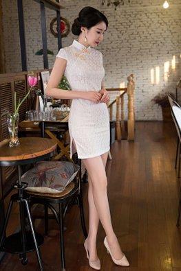 White/Green Mandarin Collar Cap Sleeves Side Slit Lace Cheongsam