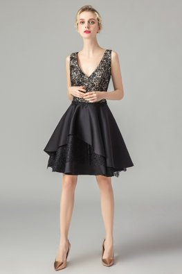 Black V-Neck Tiered Lace Skirt Gown