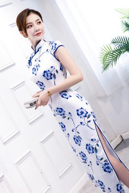White Blue Mandarin Collar Floral Cheongsam (Express)