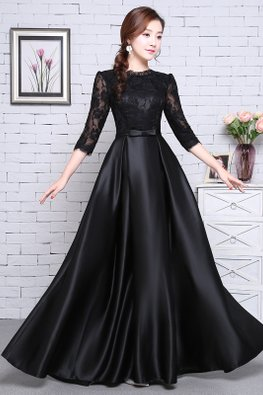 Black 3/4 Sleeves Lace Silk Lace-up Gown