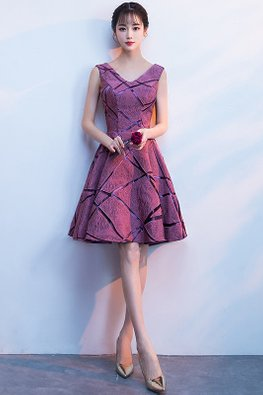 Purplish Red V-Neck Irregular Line Patterned Gown