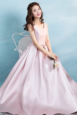 Dusty Pink Round Neck Lace-Up Gown