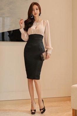 Jewel Neckline Contrast Colours Long Sleeves Sheath Dress