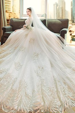 V-Neck Embroidery 3/4 Sleeves Wedding Gown with Chapel Train