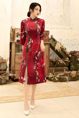 Red / Blue Mandarin Collar 3/4 Sleeves Floral Cheongsam