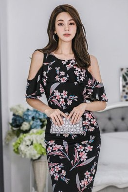 Floral Jewel Neckline Open Sleeves Dress