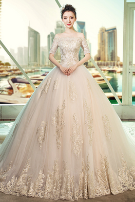 Off-Shoulder Scallop Neckline Chapel Train Wedding Gown