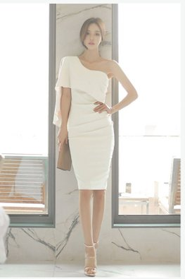 White / Black One-Shoulder Cape Toga Sheath Dress