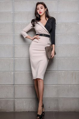 Colour Block V-Neck Belted Sheath Dress