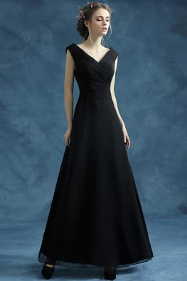 Black V-Neck Pleated Bustier Classic A-Line Gown