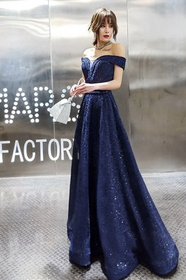Dark Blue Sweetheart Plunge Lace-up Gown