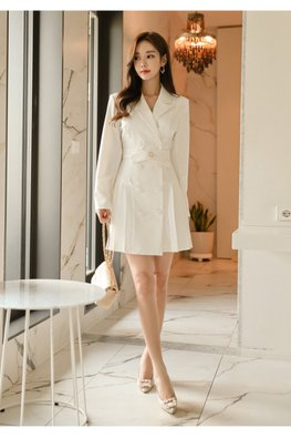 White V-Lapel Long Sleeves Pleated Dress