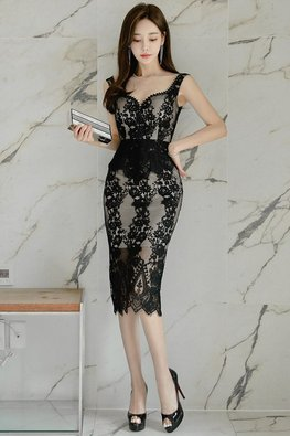 Black Illusion Sweetheart Patterned Lace Dress