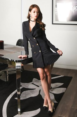 White / Black V-Lapel Long Sleeves Pleated Mini Dress