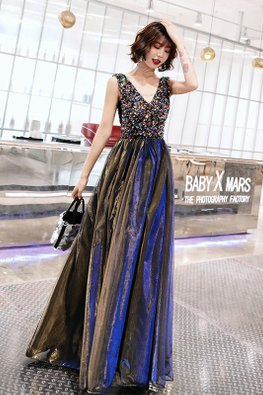 Low V-Neck Rainbow Sequins Reflective Tulle Dress
