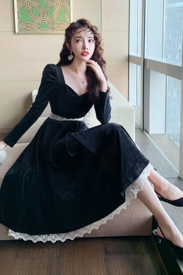Black Square Sweetheart Neckline Long Sleeves Lace Detail Dress